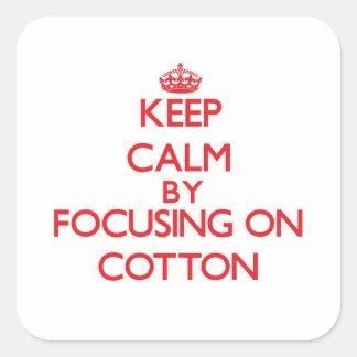 Mantenha a calma focalizando no algodão adesivos quadrados