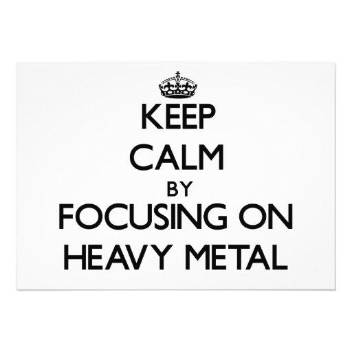 Mantenha a calma focalizando no metal pesado convites