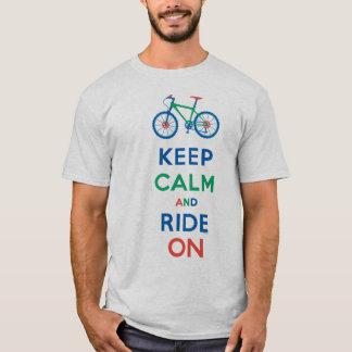 Mantenha a calma & monte-a na camisa do Mountain Tshirts
