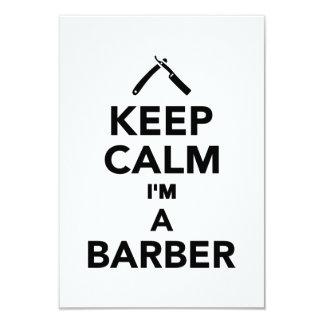 Mantenha a calma que eu sou um barbeiro convites personalizado