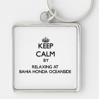 Mantenha a calma relaxando no perto do oceano Flo  Chaveiros
