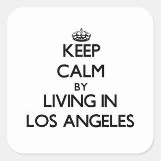 Mantenha a calma vivendo em Los Angeles Adesivo Quadrado