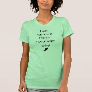 Mantenha a camisa calma da reunião de trilha! camiseta