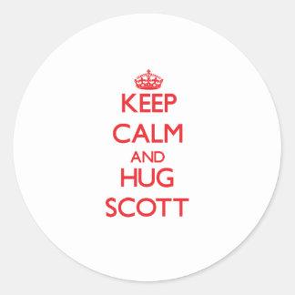 Mantenha calmo e abraço Scott Adesivo Redondo