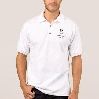 Mantenha calmo e aprenda Krav Maga Camisa Polo