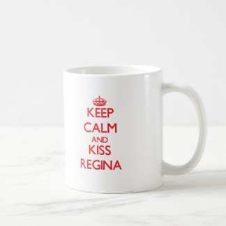 Mantenha calmo e beijo Regina