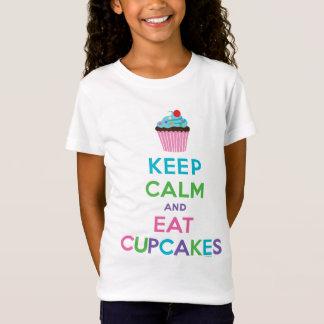 Mantenha calmo e coma o ll dos cupcakes camiseta