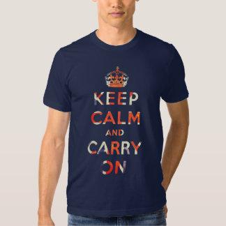 mantenha calmo e continue a bandeira de Union Jack Camisetas