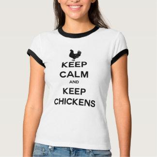 Mantenha calmo e mantenha galinhas camiseta