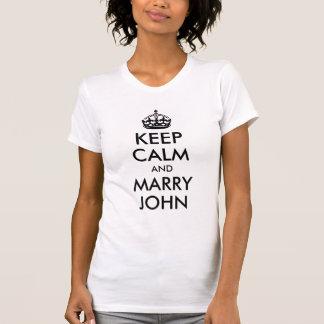 Mantenha camisa calma e do casado de John