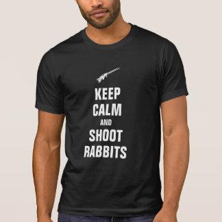Mantenha coelhos calmos e do tiro camiseta