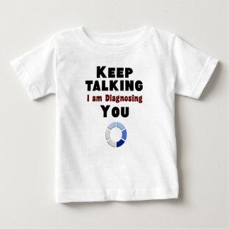 mantenha falar diagnosticando o camisa do presente