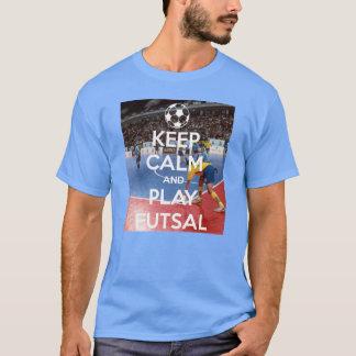 Mantenha o T de Futsal da calma e do jogo Camiseta