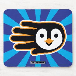 Mão do pinguim do vôo mousepad