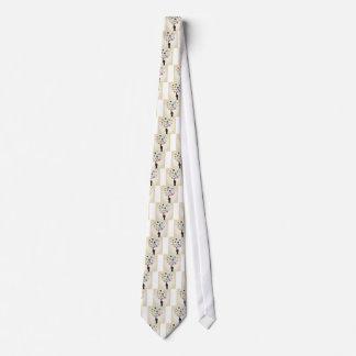 Mão no botão gravata