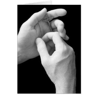 Mãos com crucifixo, páscoa religiosa cartão comemorativo
