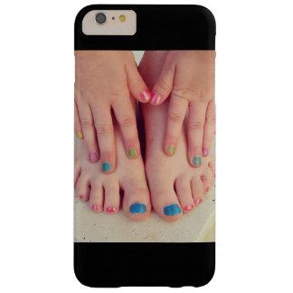Mãos e pés capa barely there para iPhone 6 plus