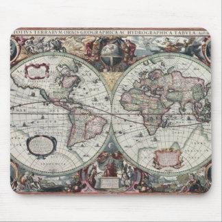 Mapa de Velho Mundo 1630 Mousepads