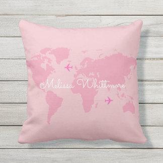 mapa do mundo & aviões cor-de-rosa, costume almofada para ambientes externos