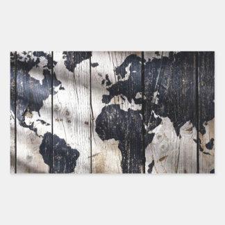 Mapa do mundo na textura de madeira adesivo em formato retângular