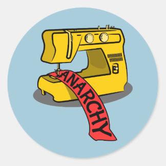 Máquina de costura amarela da anarquia adesivo