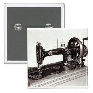 """""""Máquina de costura da família nova"""" do cantor, 18 Bóton Quadrado 5.08cm"""