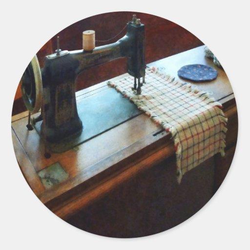 Máquina de costura e Pincushions Adesivo Em Formato Redondo