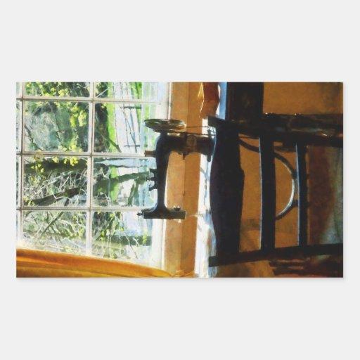 Máquina de costura pela janela adesivo em forma retangular