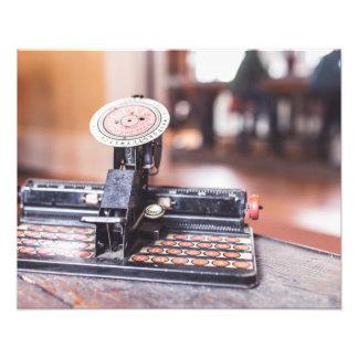 Máquina de escrever velha impressão de foto