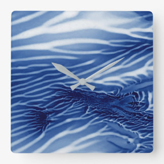 Mar azul abstrato relógio quadrado