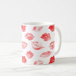 Marcagem com ferro quente vermelha da composição caneca de café