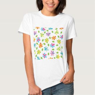 Margaridas coloridos e foto floral das folhas camiseta