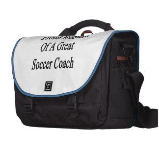 Marido orgulhoso de um grande treinador do futebol maleta para laptop