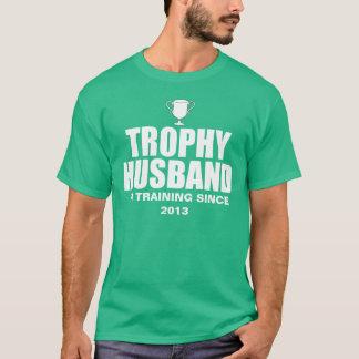 Marido personalizado do troféu no treinamento camiseta