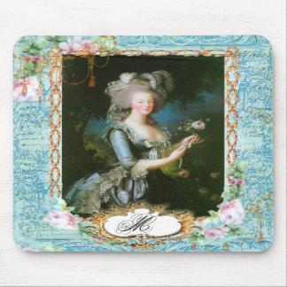 Marie Antoinette com rosas e laço cor-de-rosa Mouse Pad