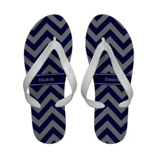 Marinho monograma do nome dos azuis marinhos do sandalia rasteira