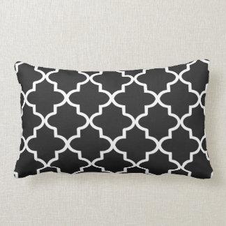 Marroquino preto e branco moderno Quatrefoil Travesseiro