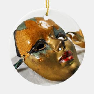 Máscara bonita ornamento de cerâmica redondo