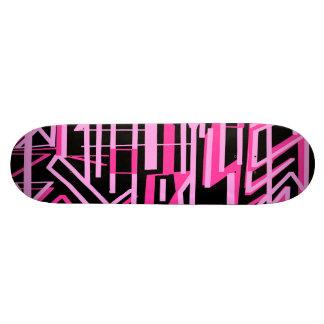 Máscaras e linhas cor-de-rosa plataforma do skate