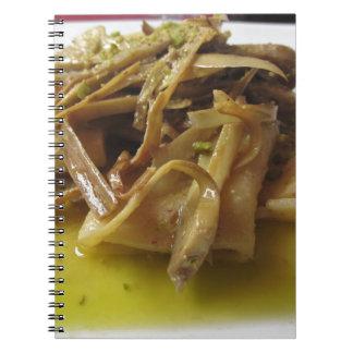 Massa tradicional de Paccheri do italiano com Caderno