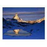 Matterhorn refletido, suiça cartão postal