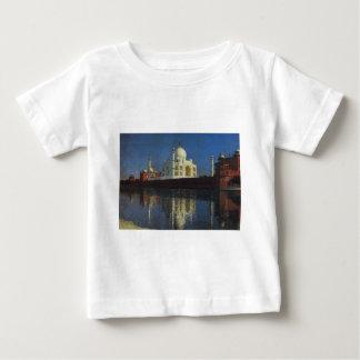 Mausoléu de Taj Mahal por Vasily Vereshchagin T-shirt