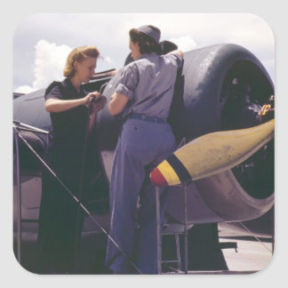 Mecânicos da aviação das mulheres WW2 Adesivo Quadrado