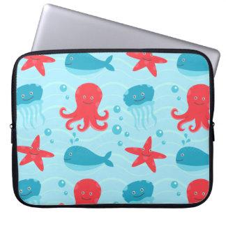 Medusa azuis das criaturas do Mar Vermelho da Capa Para Notebook