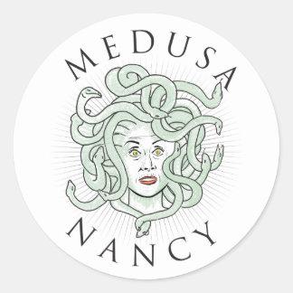 Medusa Nancy Pelosi -- Etiqueta 1