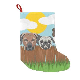Meia De Natal Pequena Cães afortunados da ilustração em uma cerca de