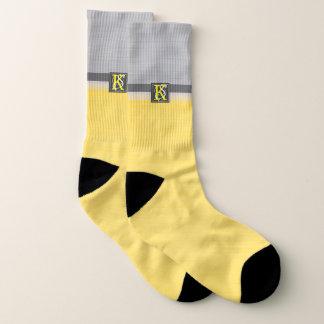 Meias Monograma amarelo e cinzento do tom dois simples