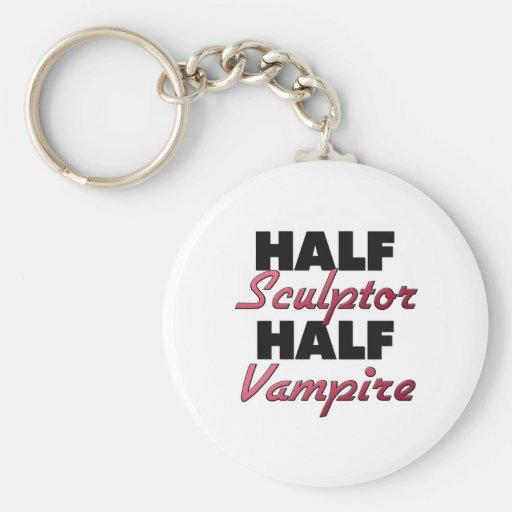 Meio vampiro do meio escultor chaveiro