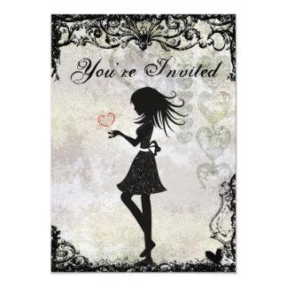 Menina adolescente da silhueta e convite do