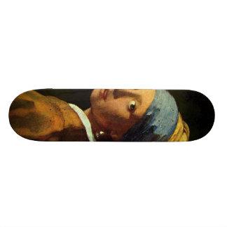 Menina com o brinco da pérola shape de skate 20,6cm